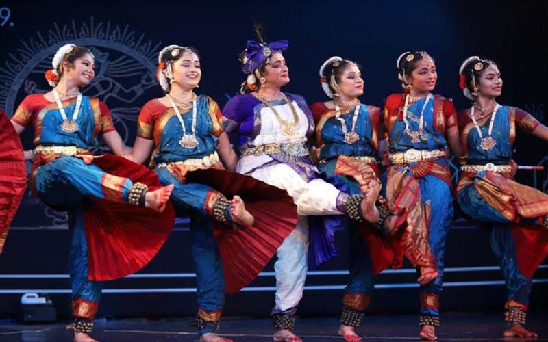 35वां चक्रधर समारोह : भरत नाट्यम, कत्थक और लोकगीतों की प्रस्तुति से दर्शक हुए मंत्रमुग्ध